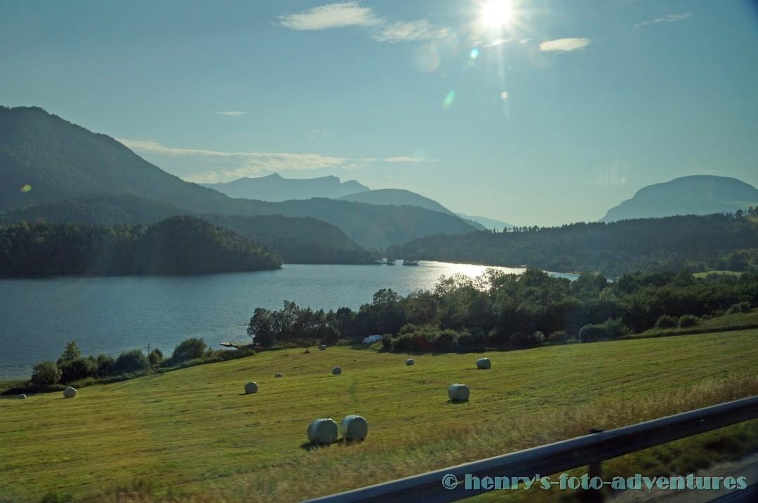 die sanfte Landschaft des Romsdalfjords