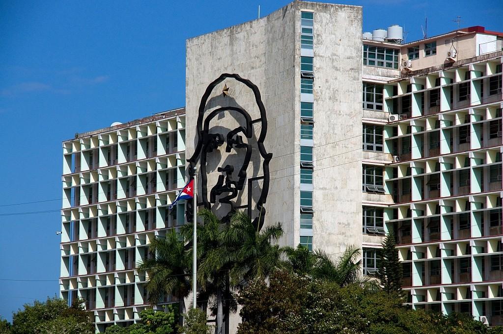 """""""CHE"""" an der Wand des Ministerium, das er einst gleitet hat, Platz der Revolution"""