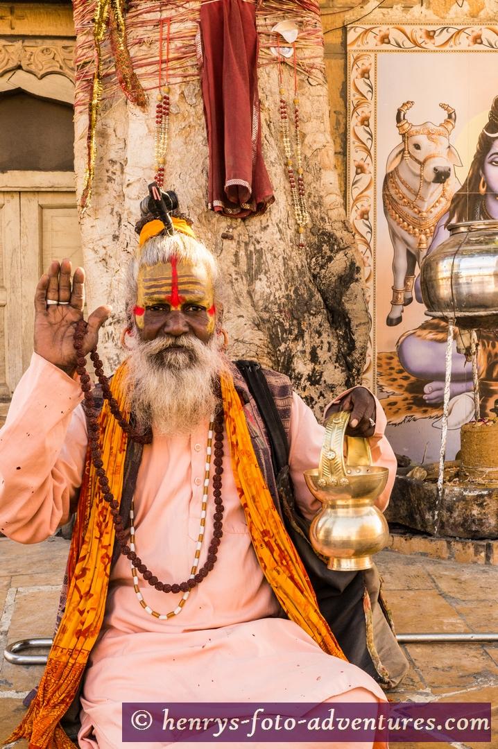 ein Guru segnet unseren Weg