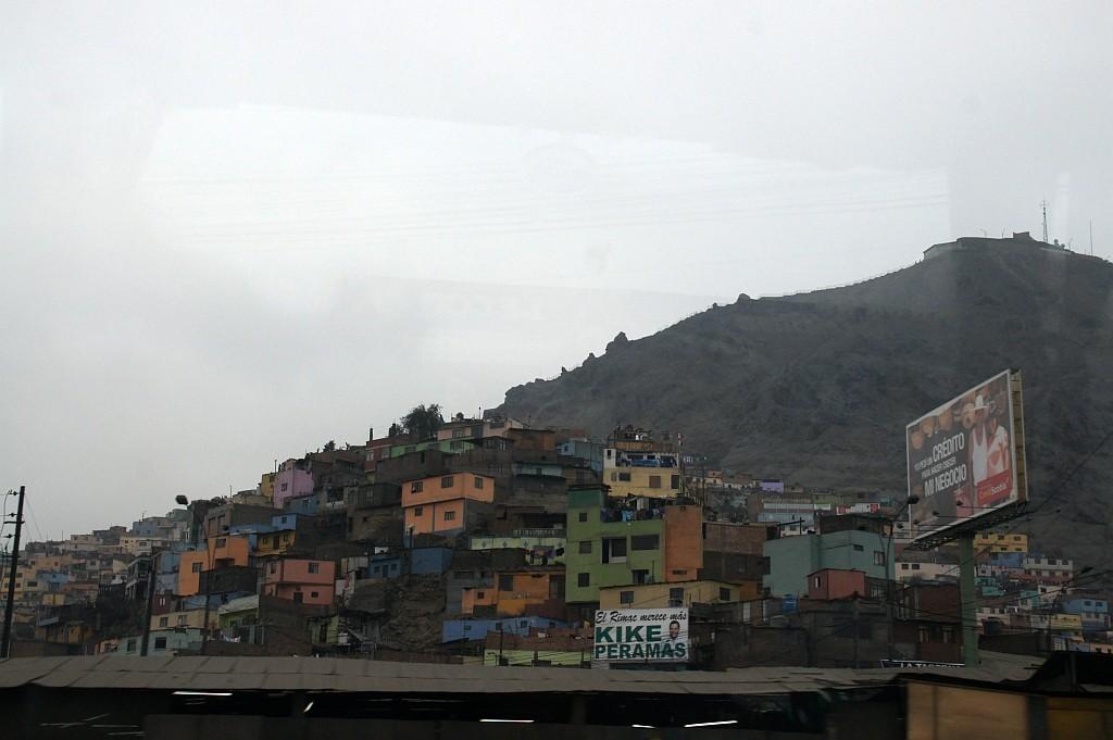 Blick auf das bunte Armenviertel