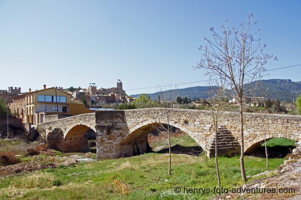 die El Pont Veil (12. Jh.) führt über den Rui Francoli