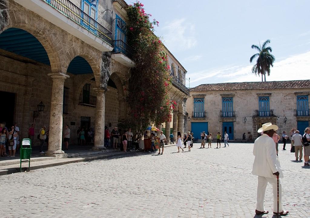 Platz vor der Kathetrale