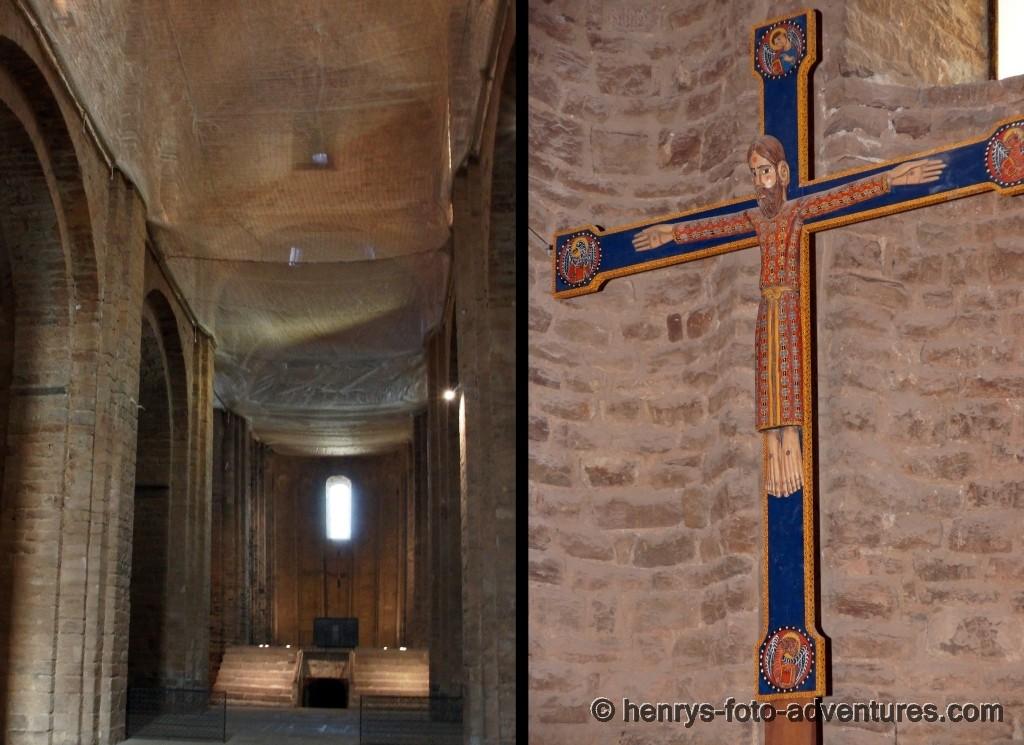 Altar mit Kreuz aus dem 12. Jh.