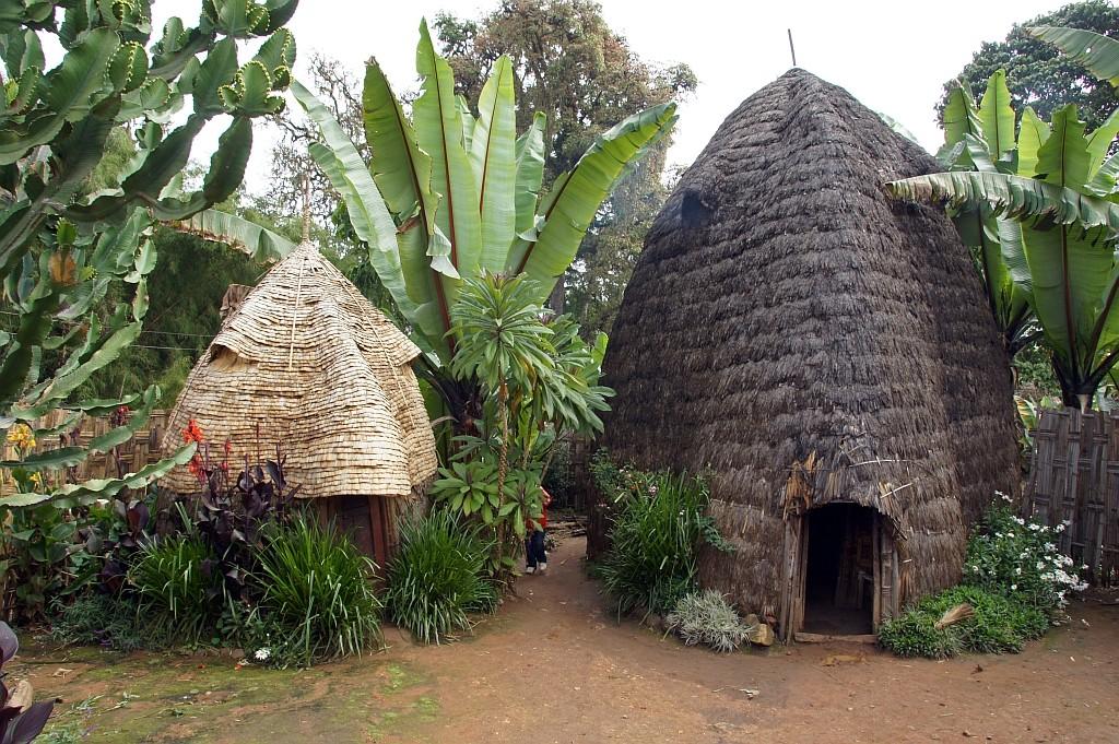 DORZE-Dorf, Wohnhaus und Honeymoon-Haus