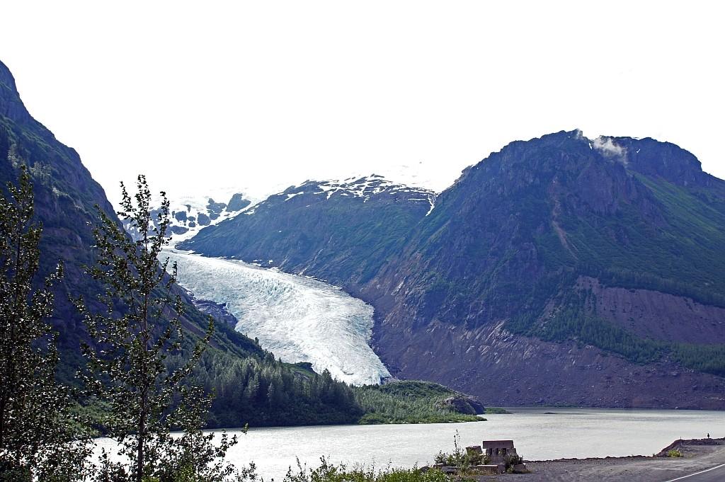 die Gletscherzunge fürt bis zum See herunter