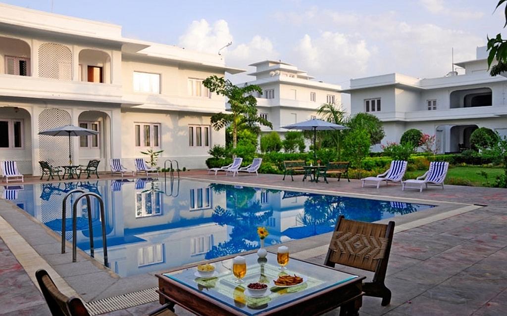 """Bharatpur, """"Hotel Uida Vilas Palace"""", wir wandern von Schloss zu Schloss"""