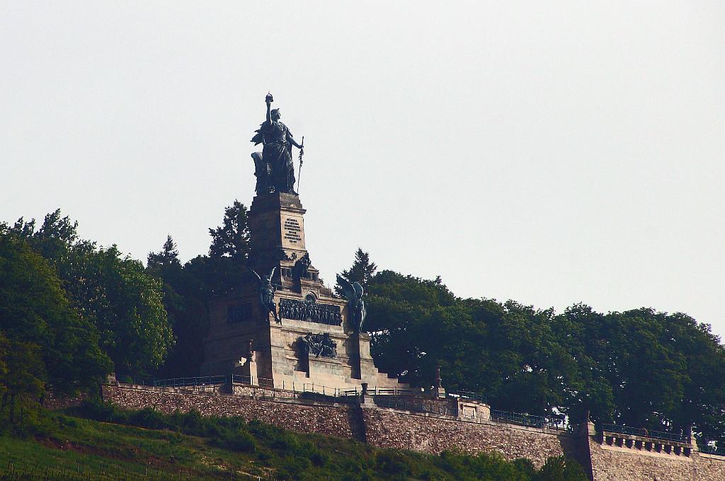 rs, die Germania wacht über den Rhein