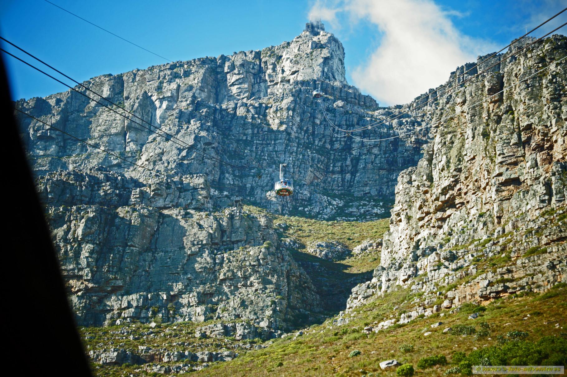 mit der Seilbahn zur höchsten Stelle des Tafelberges