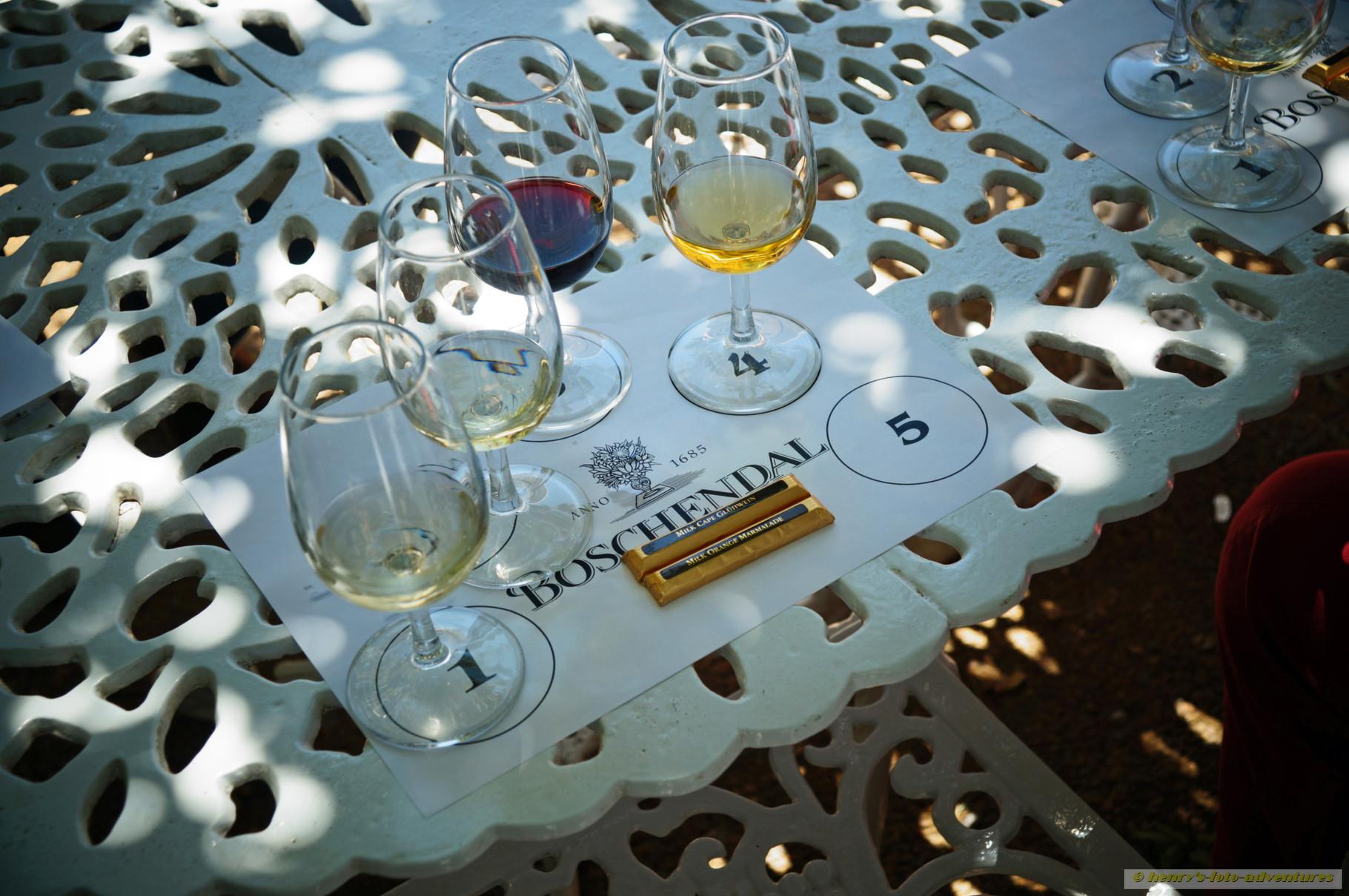 zur Weinverkostung