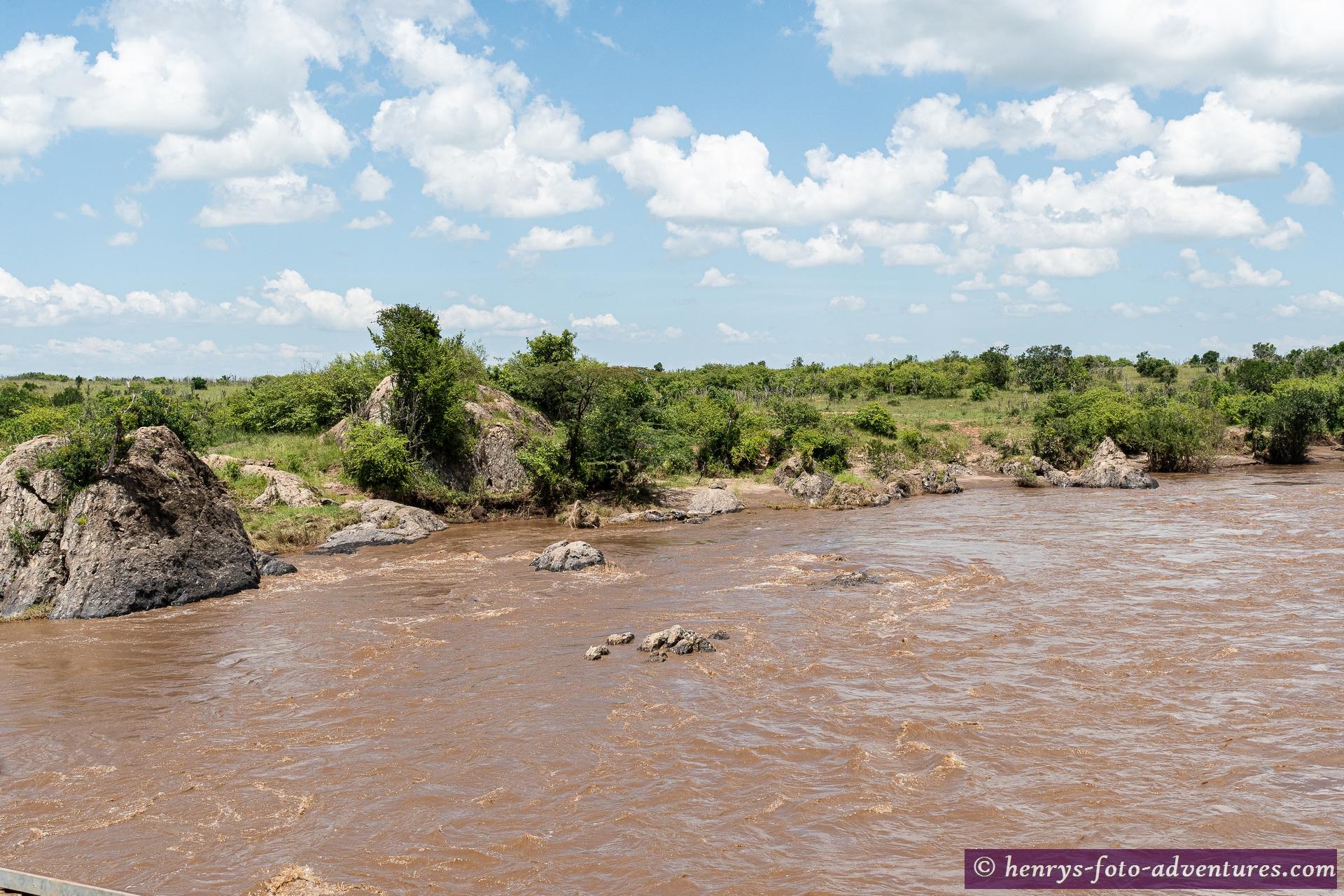 wir überqueren den Mara Fluss