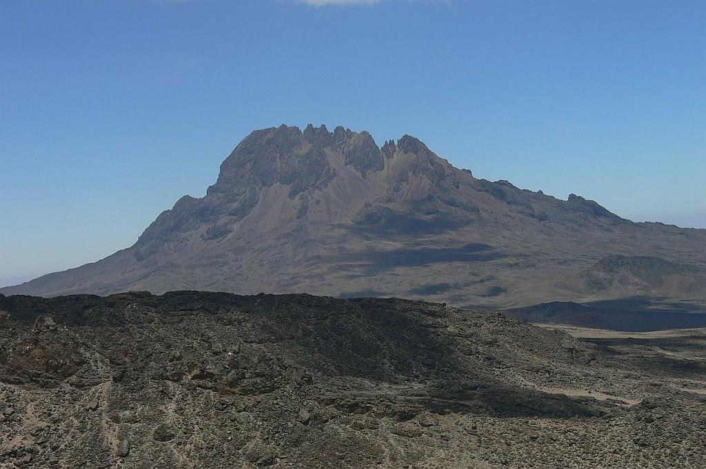 Blick auf den Zweitältesten Vulkan des Kili, den Mawenzi