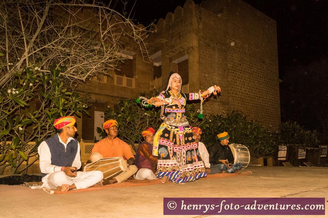 und anschließend eine Folklore-Vorführung