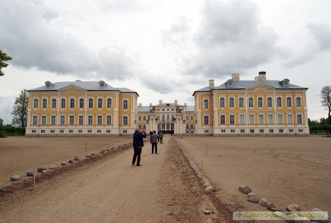 das Schloss RUNDALE, 1730 erbaut