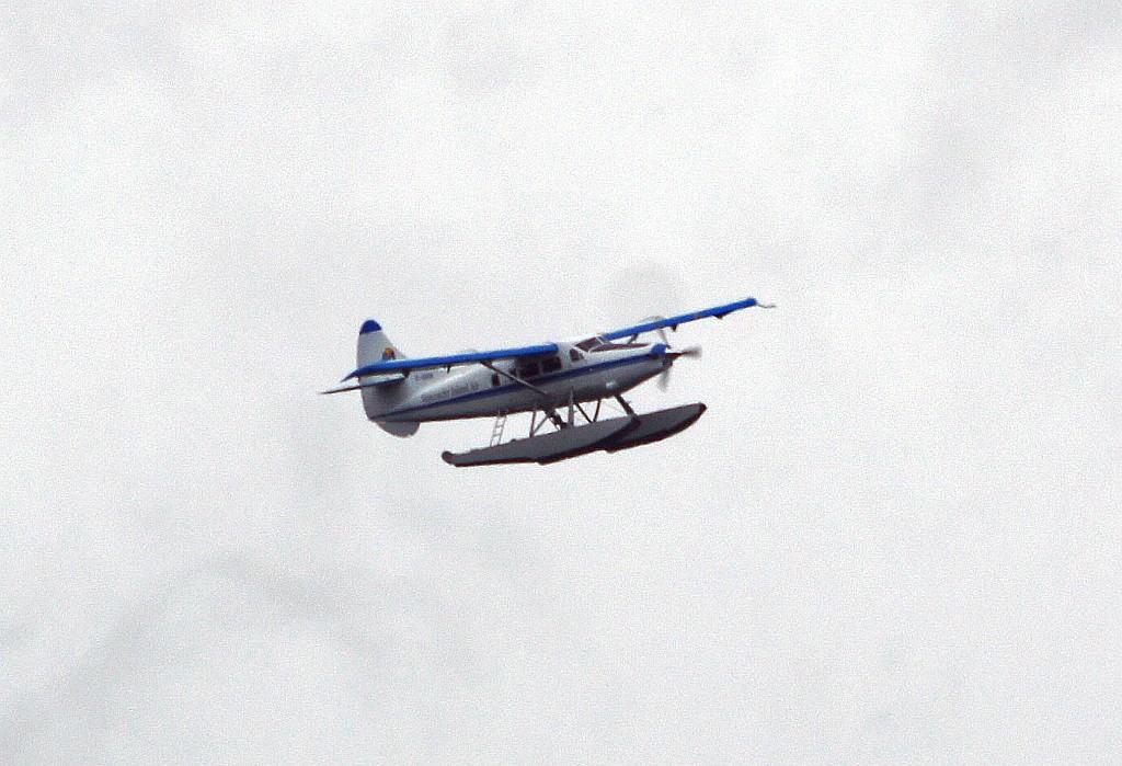 ... Wasserflugzeug erreichbar