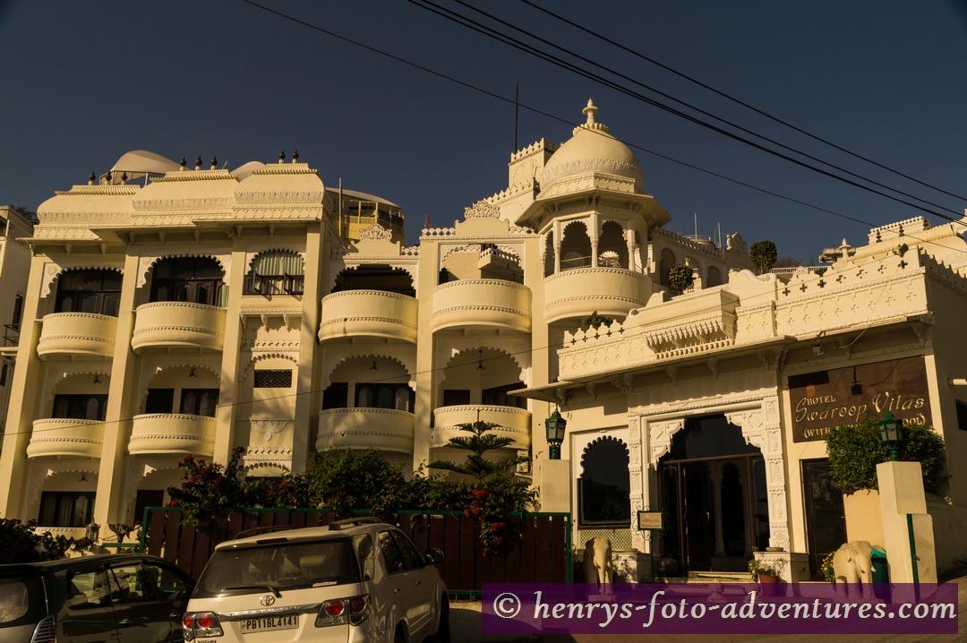 """Udaipur, """"Hotel Swarop Vilas"""", ein komfortables Hotel am See"""