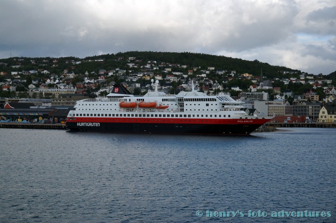 wieder ein Schiff der Hurtig Ruten, die Polaris auf Nordfahrt