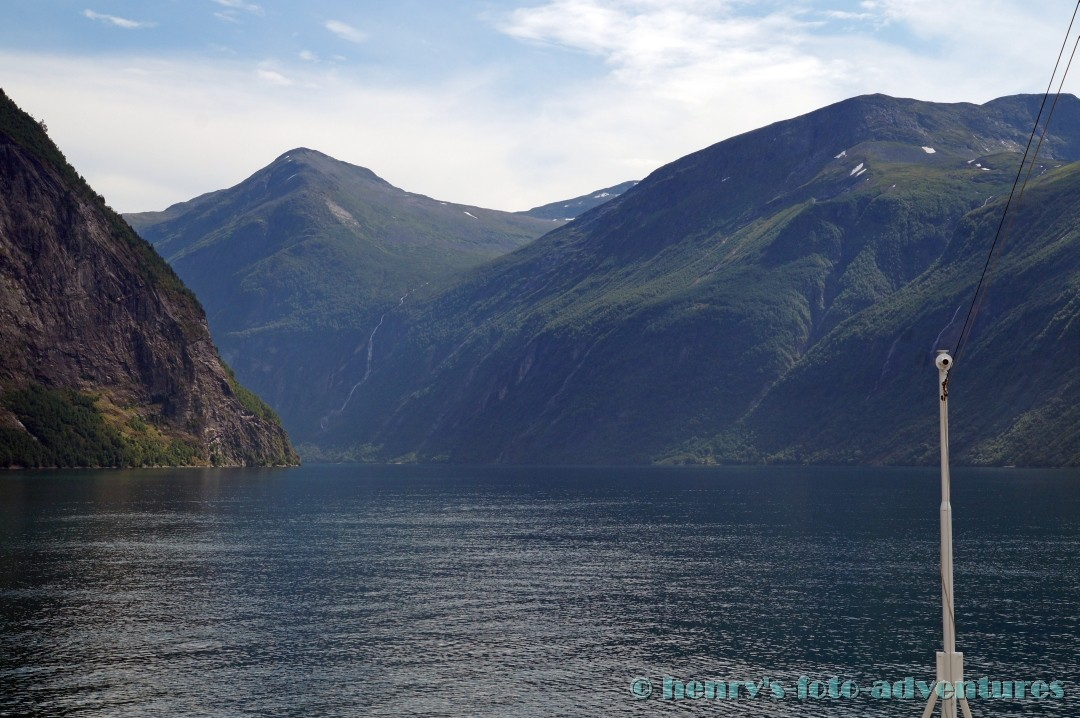 wir gleiten durch den Fjord