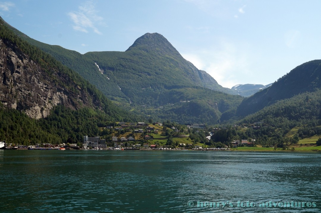wir haben den Ort Geiranger und somit das Ende des Fjordes erreicht