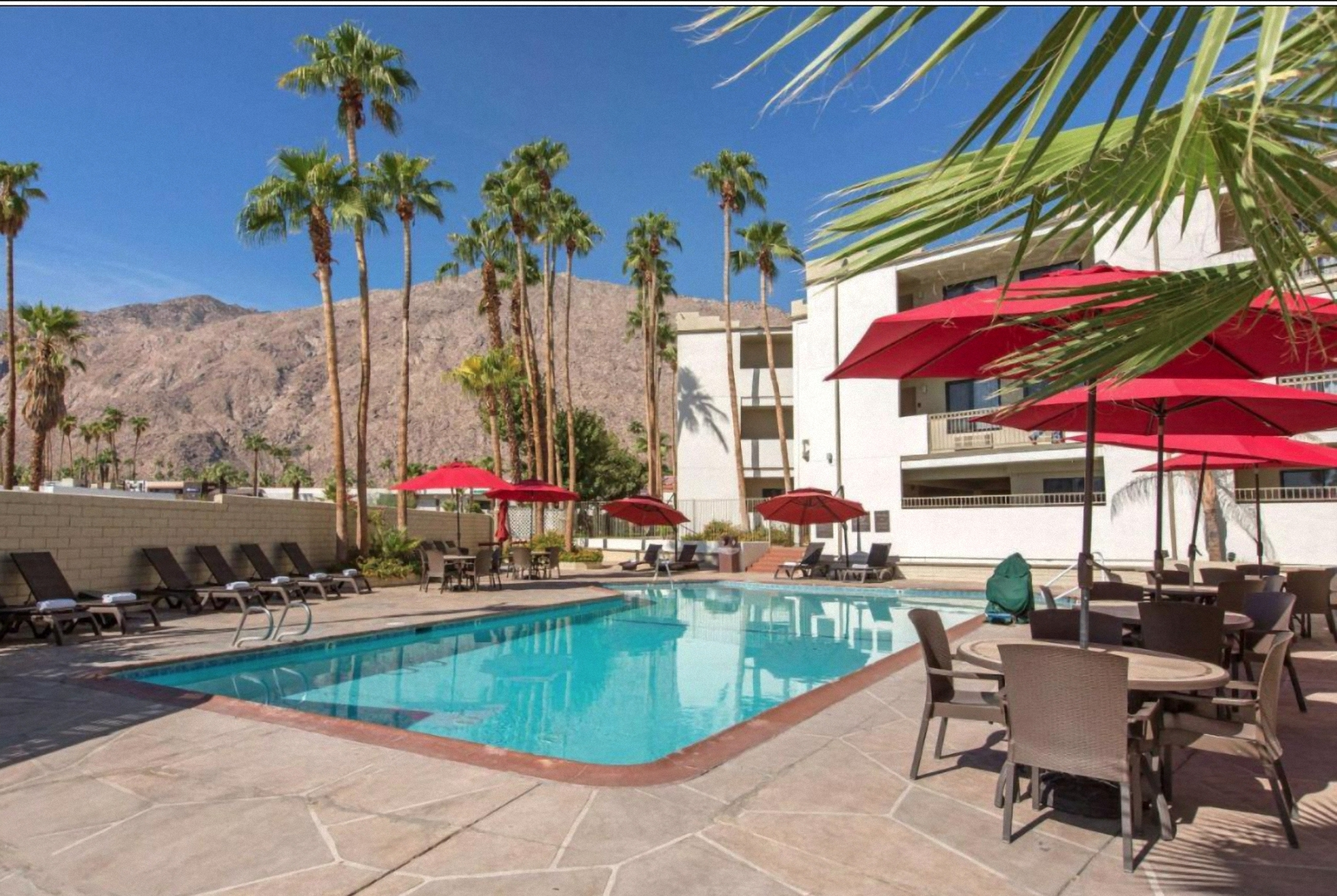 Palm Springs - Baymont Inn**