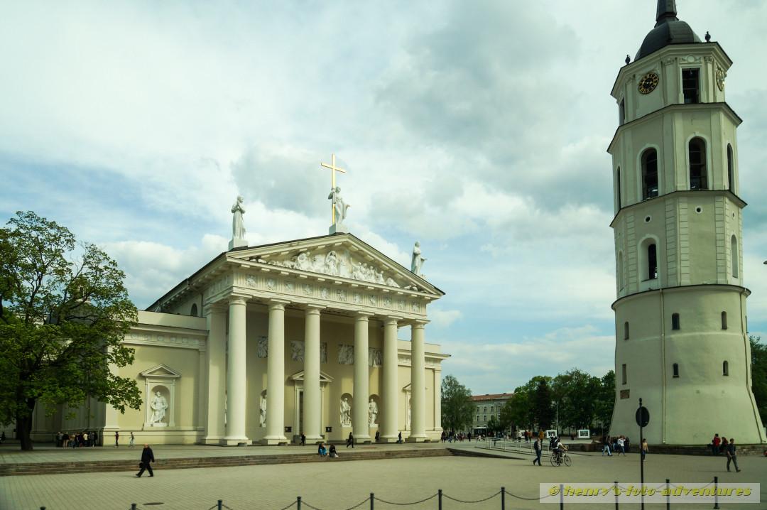 die ST. Pauls-Kathedrale mit Glockenturm