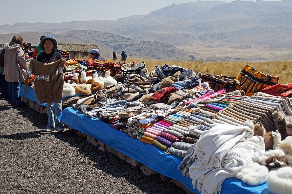 Verkaufsstäne am Pass Lagunillas (4.413m)