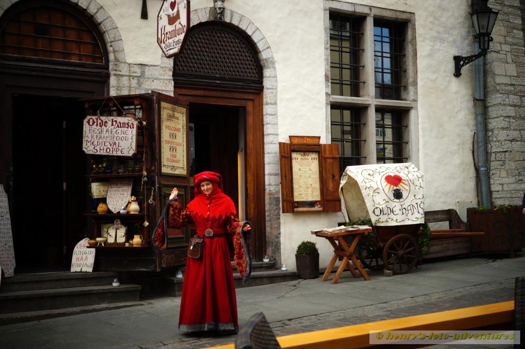Anematörin für eine urige Kneipe im Hanse-Haus