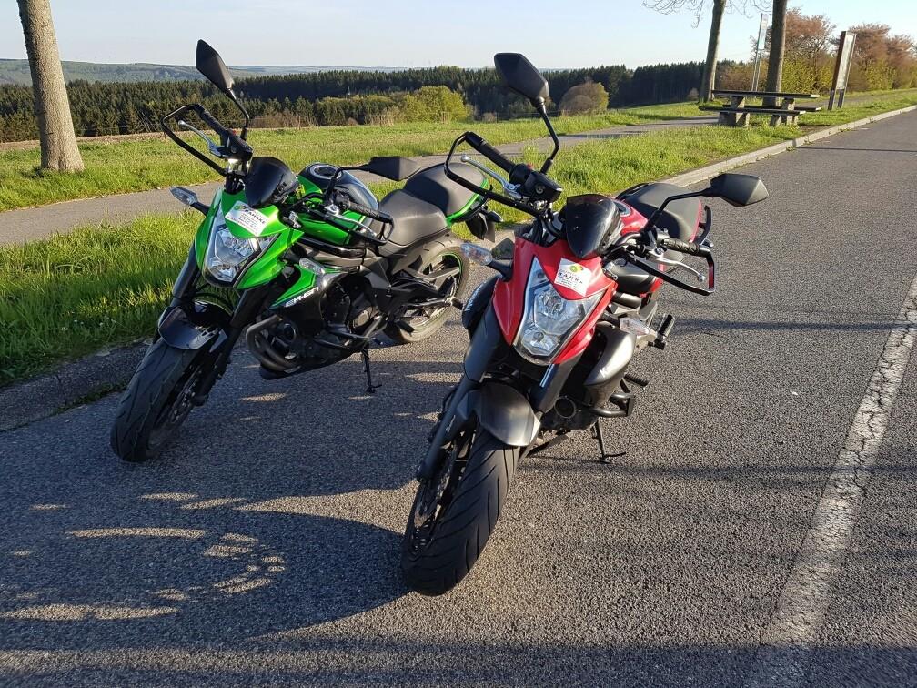 Fahrerlaubnisklasse A (rot) & A2 (grün)