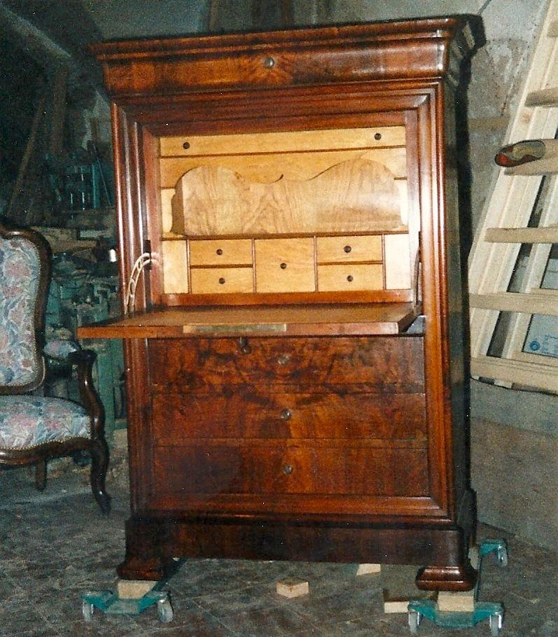 restauration d' un secrétaire Louis Philippe, aprés travaux