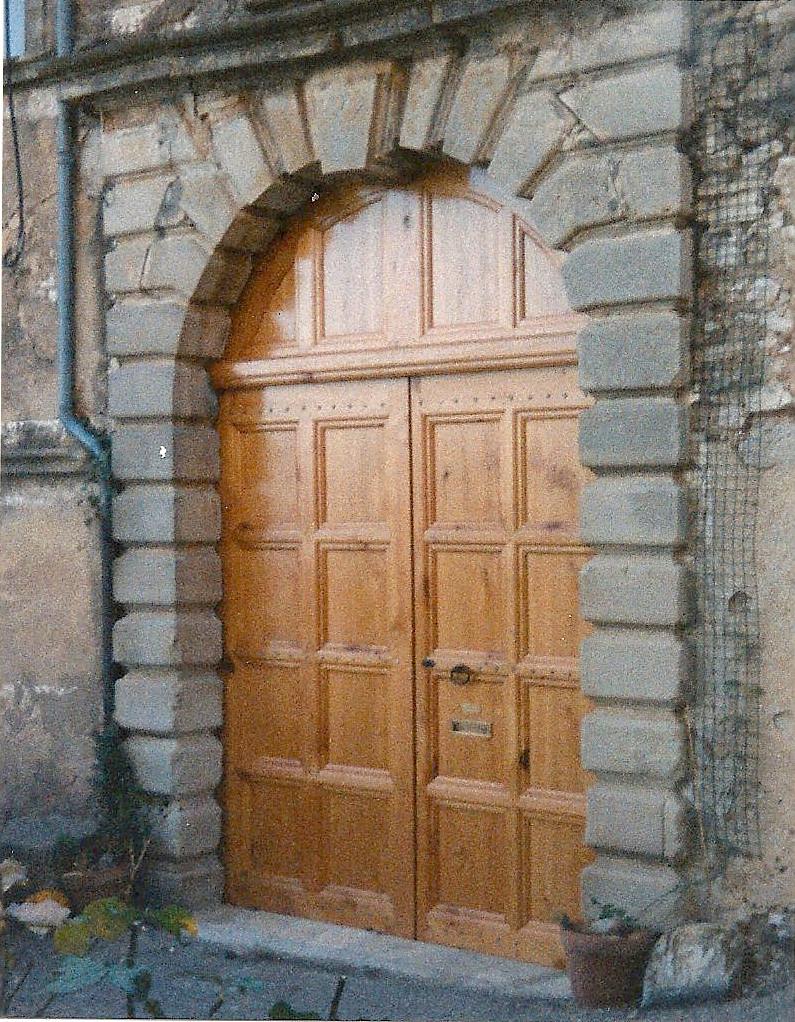 Menuiserie, Portail de chateau du XVI éme siécle