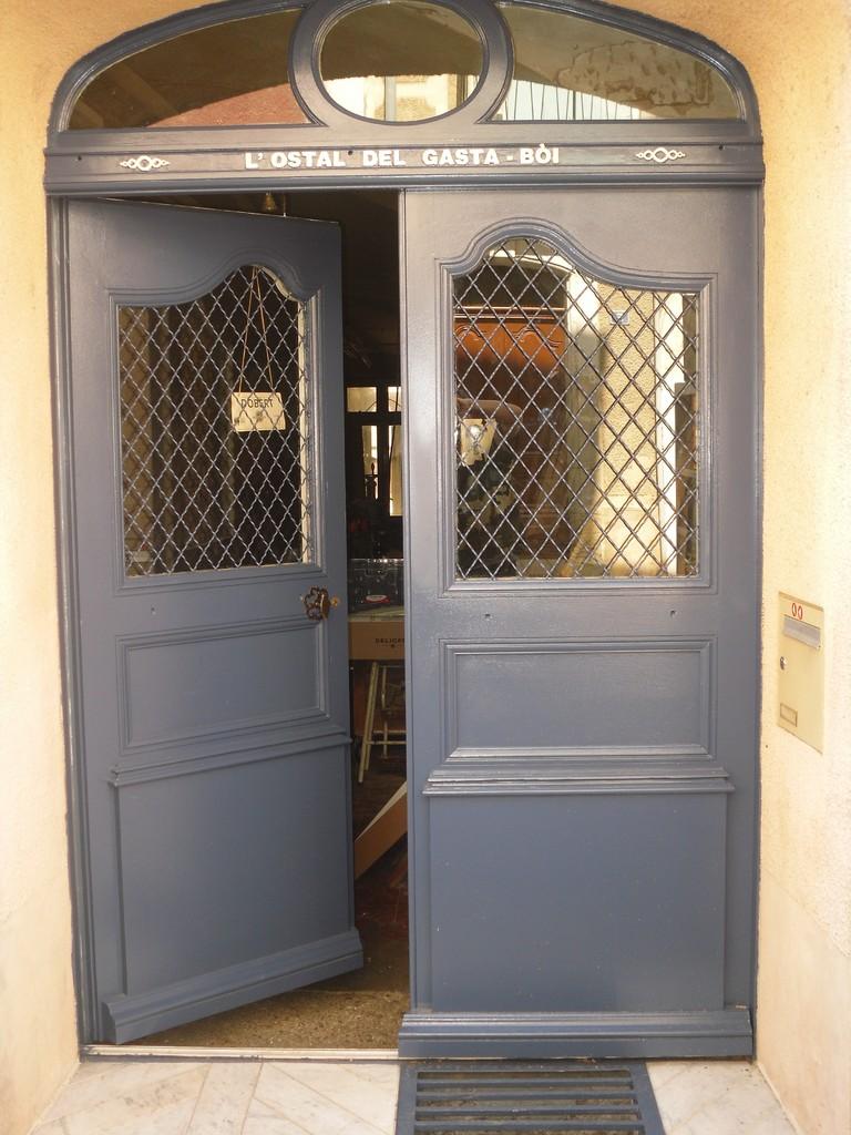 "Menuiserie, Porte de l' atelier "" l' ostal del gasta bòi"""
