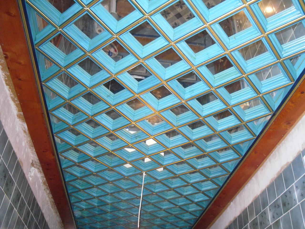 Menuiserie, Plafond à caisson à la française coloré