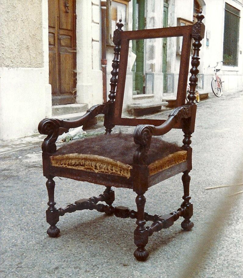 Restauration d' un fauteuil style Louis XIII