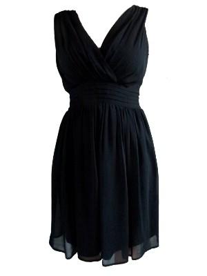 Kleid von More&More: schmeichelt der Figur durch die betonte Taillenpartie und den schwingenden Rock. Kleine Pölsterchen werden geschickt kaschiert. UVP:79,95 € - bei uns nur 38 €inkl. Versandkosten!