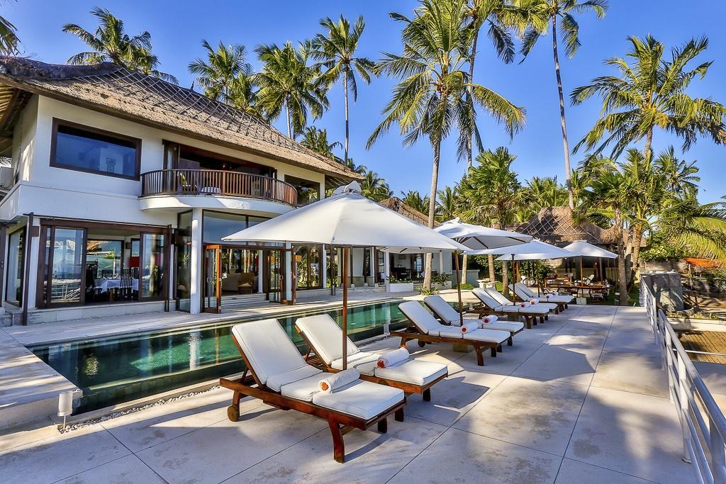 Candidasa beachfront villa for sale. East Bali villa for sale
