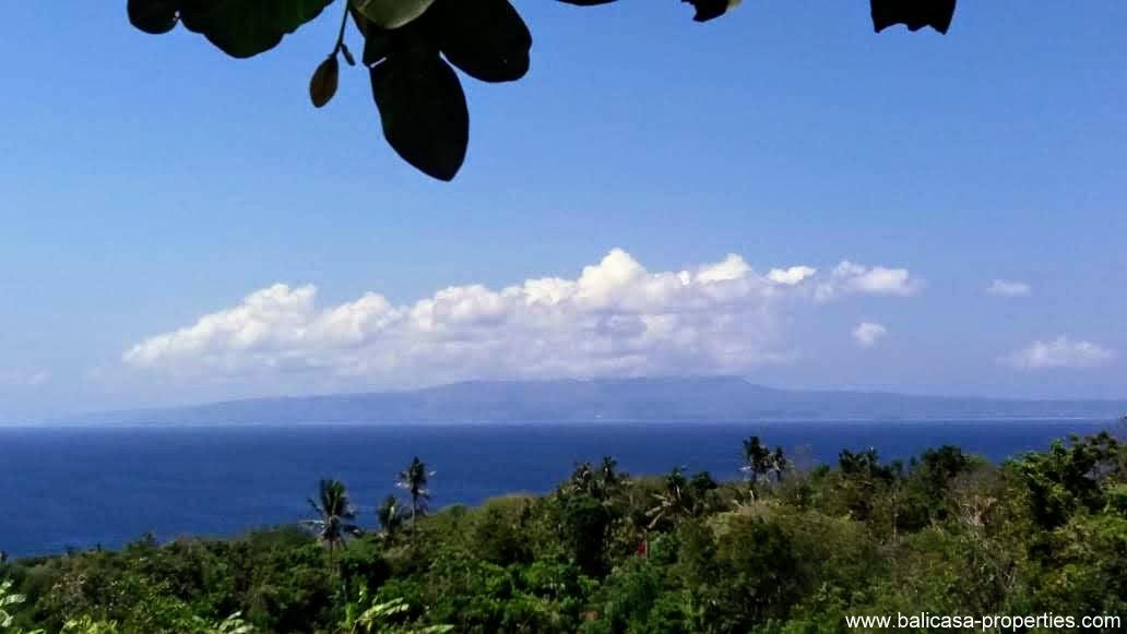 Land for sale near Padang Bai overlooking the ocean