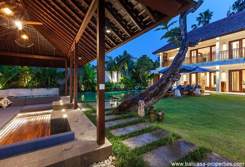 Seminyak high quality 4 bedroom villa for sale.