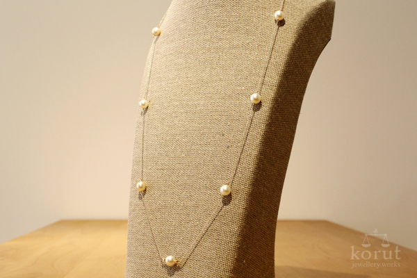 白蝶真珠のステーションネックレス