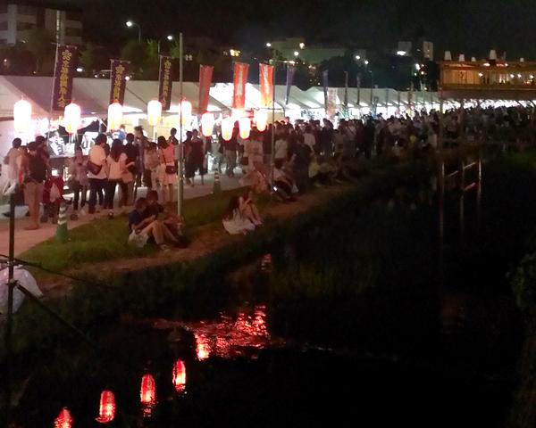 京の七夕、鴨川納涼2014・四条大橋からの様子