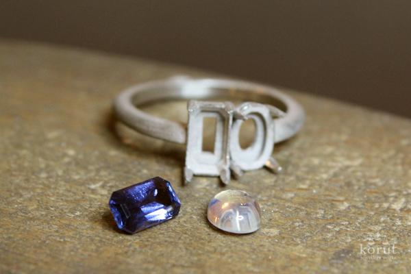 制作中のリング(指輪)