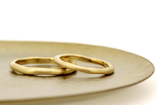 18金イエローゴールド・つや消し加工フルオーダーマリッジリング(結婚指輪)完成写真
