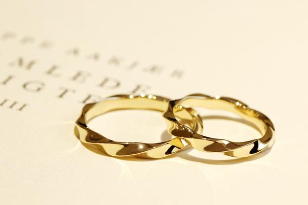 18金イエローゴールドのフルオーダーマリッジリング(結婚指輪)完成写真2