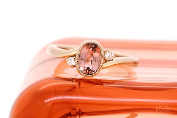 インペリアルトパーズとピンクゴールドのエンゲージリング(婚約指輪)