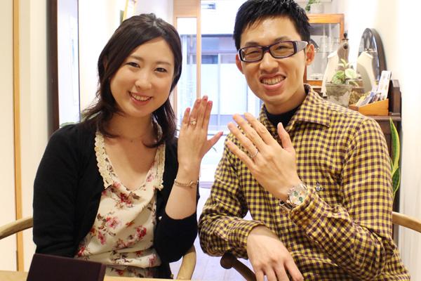 リフォームエンゲージリング(婚約指輪)とフルオーダーマリッジリング(結婚指輪)の納品風景2