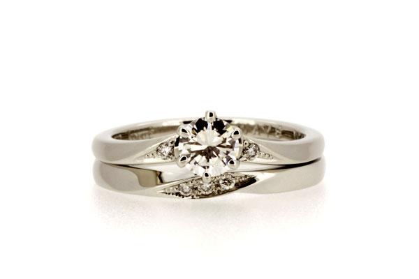 フルオーダーマリッジリング(結婚指輪)、エンゲージリング(婚約指輪)完成写真・プラチナ900・ダイヤモンド