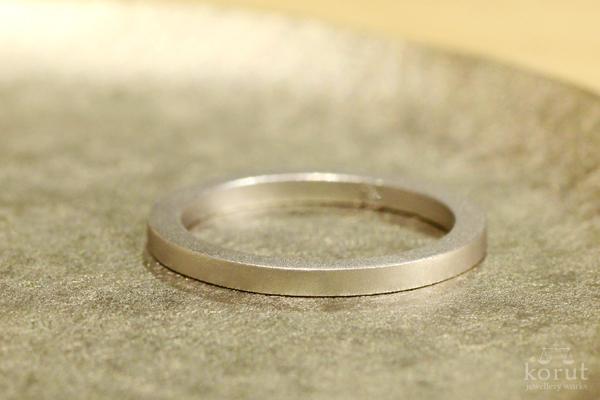 シンプルなプラチナリング(指輪)