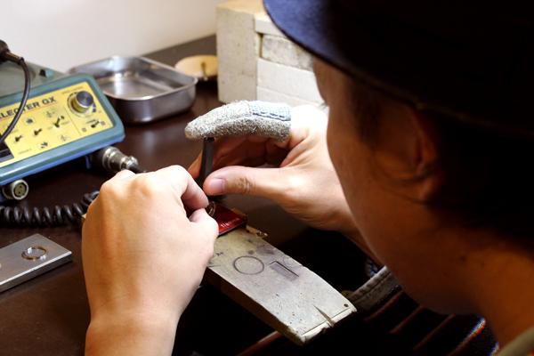 フルオーダーマリッジリング(結婚指輪)制作体験・文字打刻1