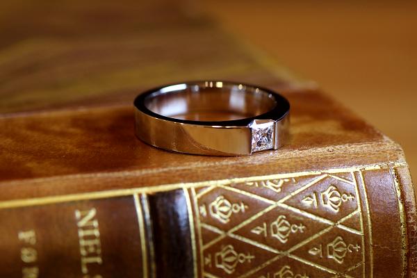 フルオーダーエンゲージリング(婚約指輪)完成写真