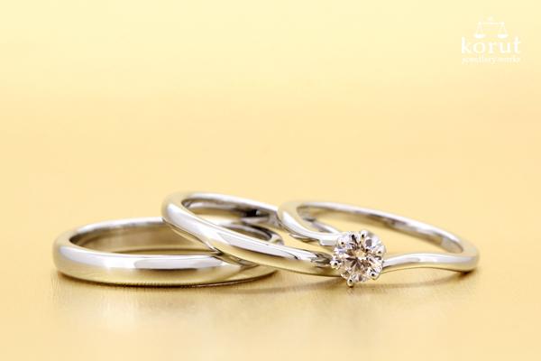 完成したフルオーダーエンゲージリング(婚約指輪)とマリッジリング(結婚指輪)、ダイヤモンド・プラチナ900・光沢仕上