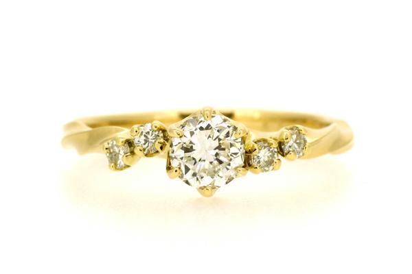 リフォーム後の18金イエローゴールド製ダイヤモンドリング完成写真