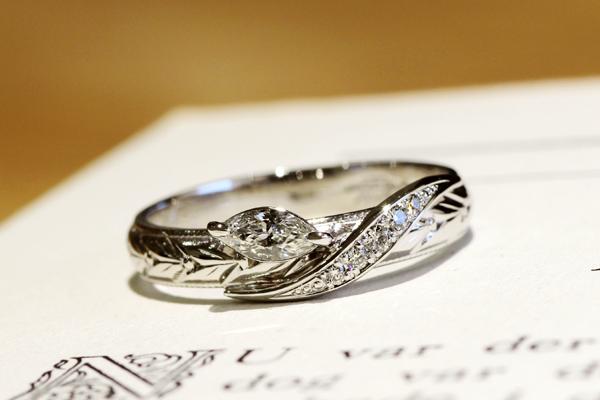 リフォーム後のマリッジリング(結婚指輪)、マーキスカット、ラウンドカットのホワイトダイヤモンド・プラチナ900・光沢仕上げ